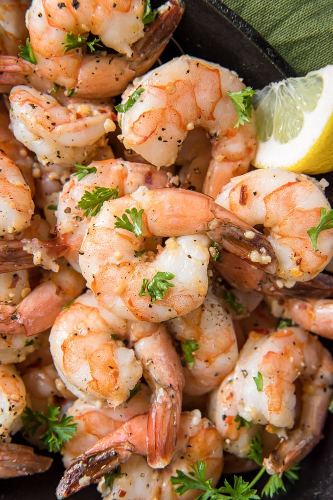 Sauteed shrimp with garlic, parsley and lemon