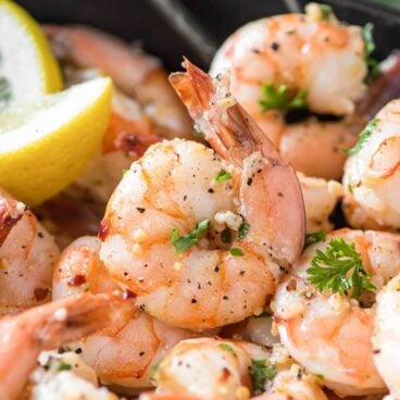 Sauteed shrimp with parsley and lemon
