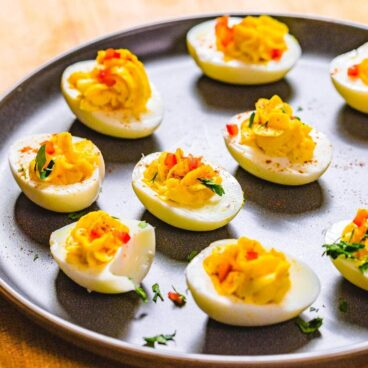 Deviled eggs featured image.