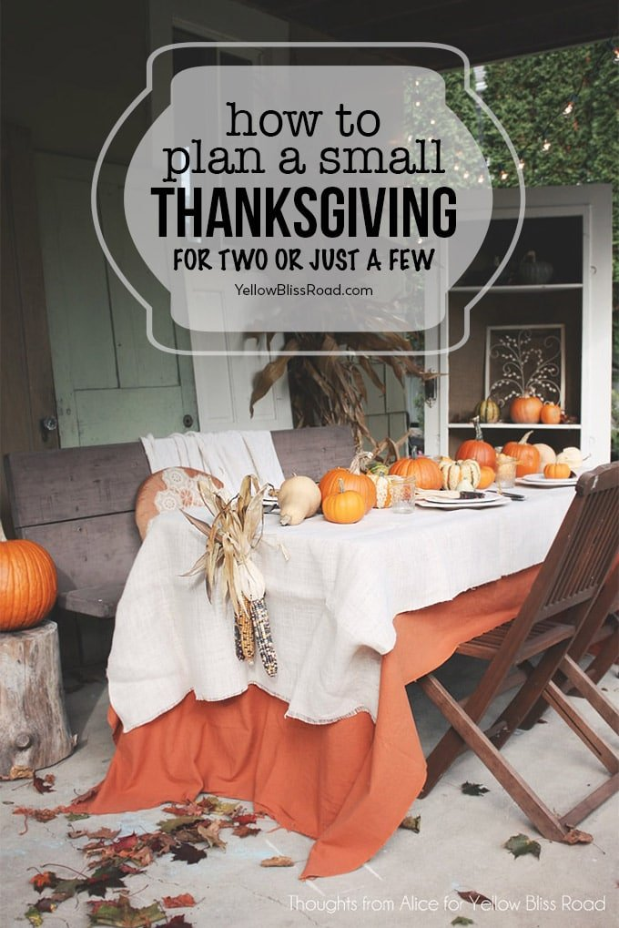thanksgiving table with pumpkins and leaves, text says how to plan a small thanksgiving