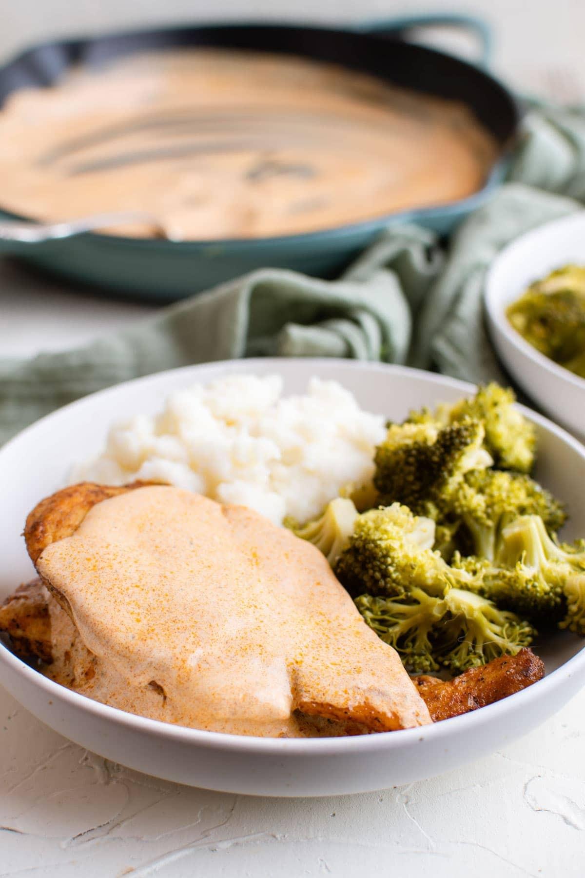 chicken with mustard sauce, broccoli, mashe potatoes