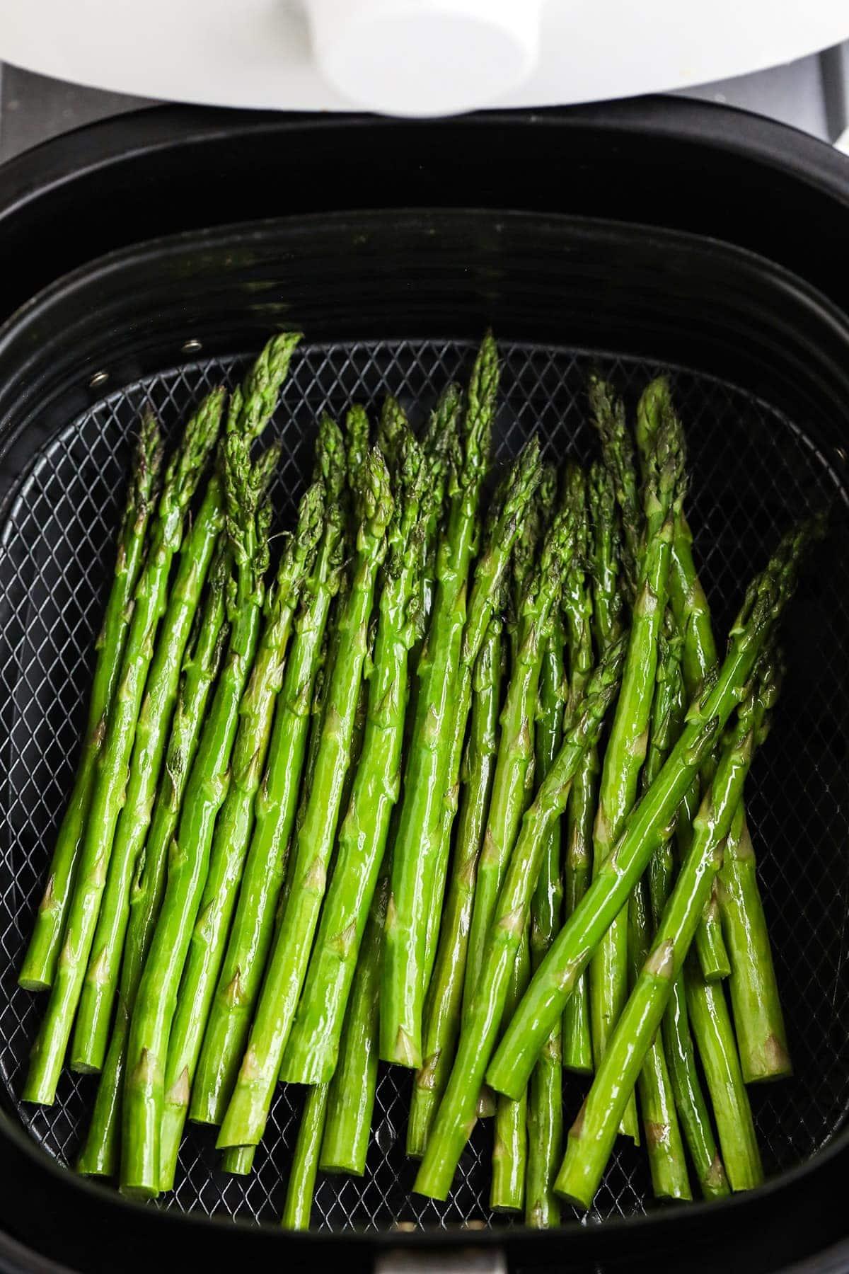 air fryer asparagus in air fryer basket