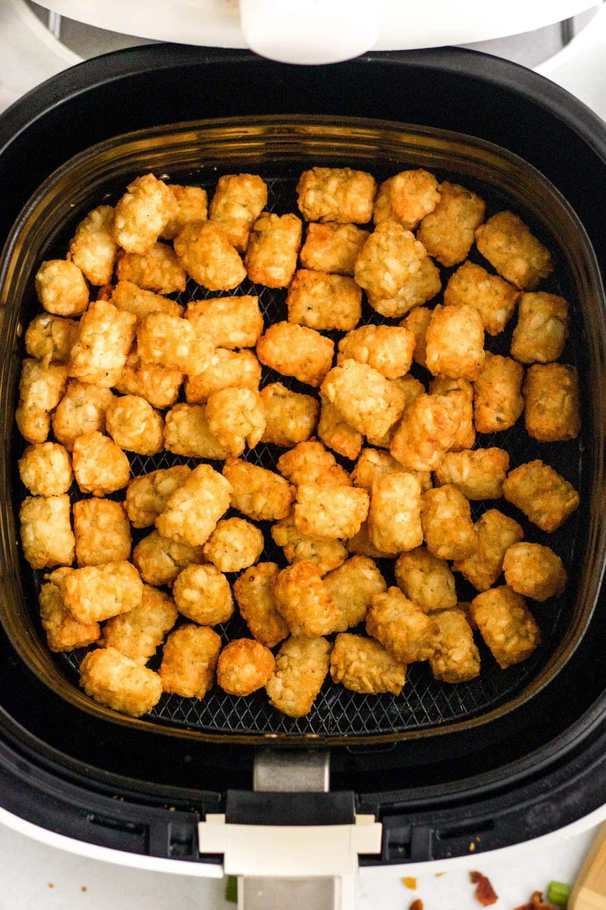 air fryer  and tater tots