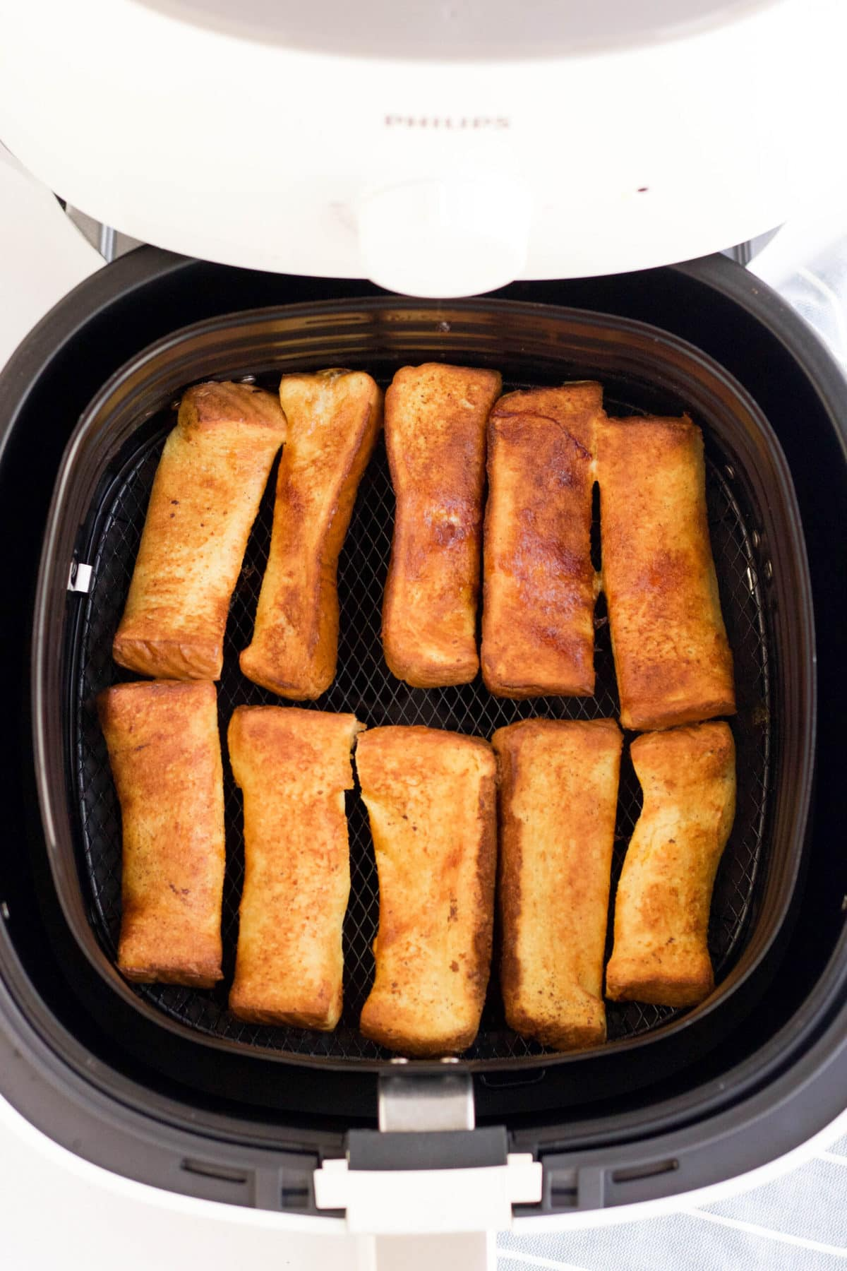 cooked french toast sticks in air fryer