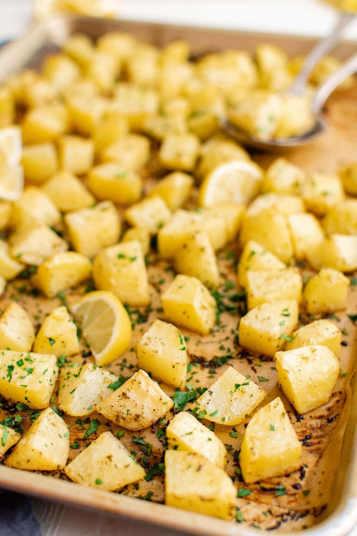 baking sheet, potatoes, parsley